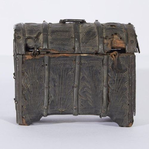 354 Small trunk lined with metal blades on leather bottom, wrought iron lock wit…
