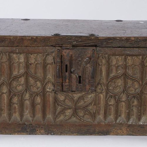 355 Oak chest with wrought iron bark, the carved facade of windows in orbitevoie…