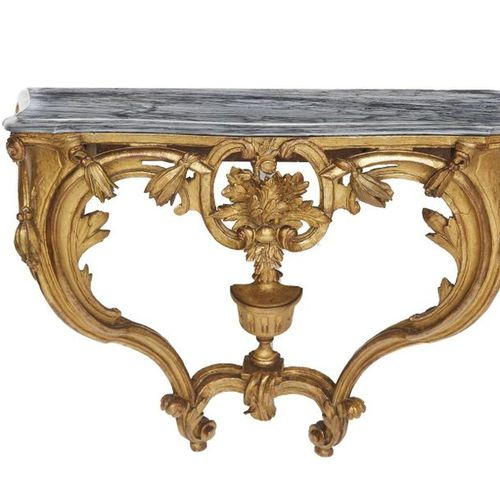 526 Gilt wood console with shells and stylized plants decoration on two feet in …