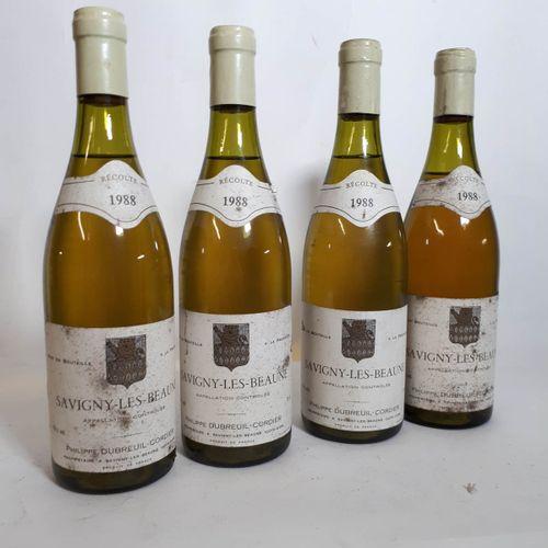 4 B SAVIGNY LES BEAUNE blanc ( 1N. 4cm, ea, ets, cls 1cla) Dubreuil Cordier 1988