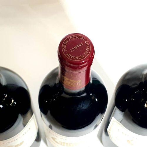 3 B CHÂTEAU MARGAUX (Bons N., 1etls, ctla, très belles) 1erGCC Margaux 1990