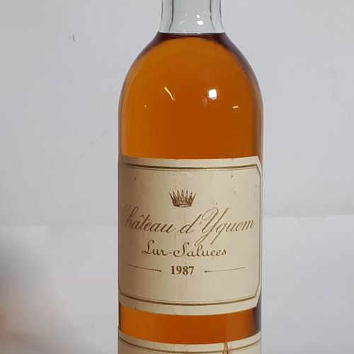 1 B CHÂTEAU D'YQUEM (TLB+, es bandeau) 1e G.C.C. Sauternes 1987