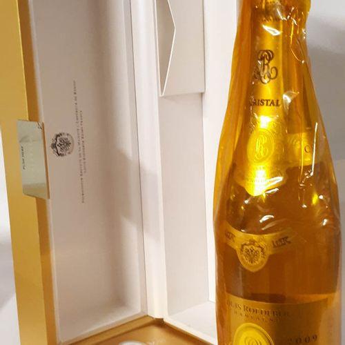 1 B CRISTAL ROEDERER (*), coffret d'origine (tls) CHAMPAGNE G.Cuvée 2009