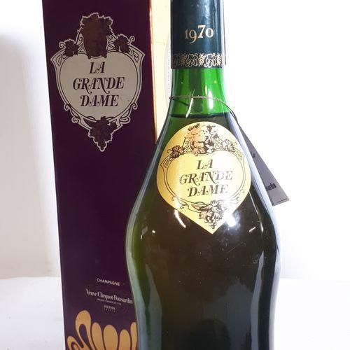1 B LA GRANDE DAME de Vve Clicquot (N. 2,5cm ss la coiffe) Champagne 1970