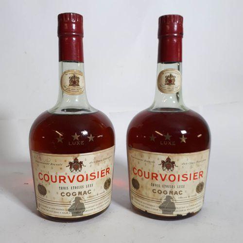2 B COGNAC COURVOISIER 40° (1ea, 2els, 2cla) Cognac ***