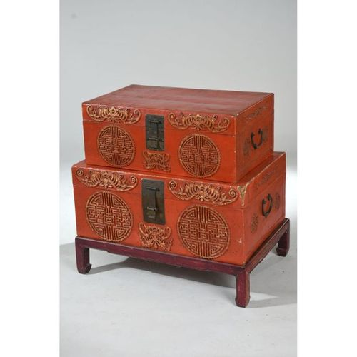 2 CHINESE CHESTERS in lacquered wood with red background and gold caligraphic mo…