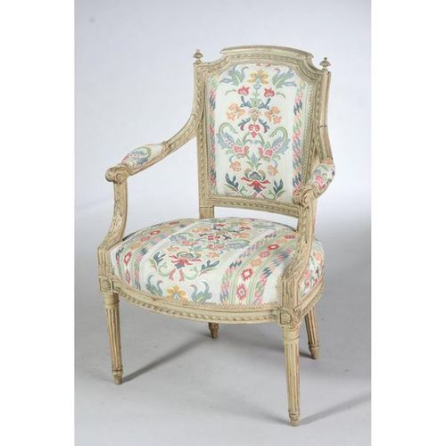 BEAUTIFUL LOUIS XVI LIVING ROOM SET in wood with 6 armchairs with ribbons. Curve…