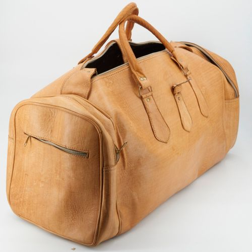一个天然皮革旅行袋  32x61厘米