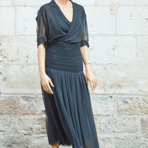 L'ENVOL PARIS.黑色粘胶短裙,吊带衫和长裙。尺寸40。
