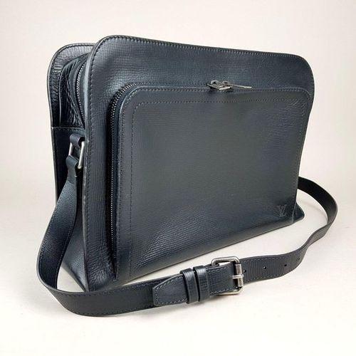 Louis VUITTON Men's Yurok leather bag in Utah Basalt color with its storage bag