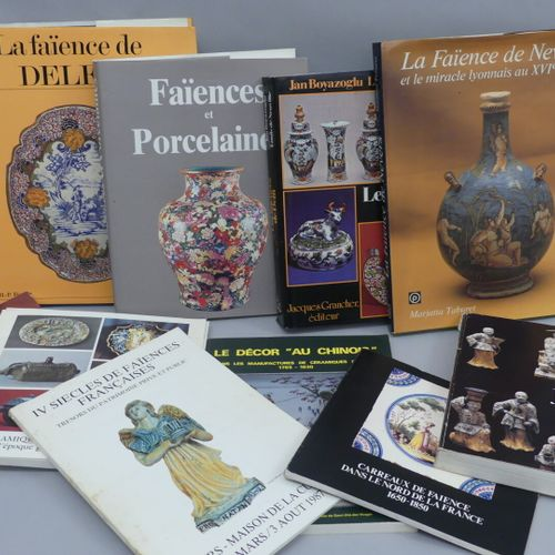 FAIENCE : Lot of 10 books and exhibition catalogues :  Delft earthenware /Jacque…