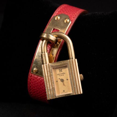 HERMES Paris  Montre « Kelly » plaqué or, cadran 20mm, mouvement quartz, bracele…