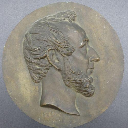 Philippe GRASS (1801 1876)  Profils d'homme et de femme  Paire de médaillons en …