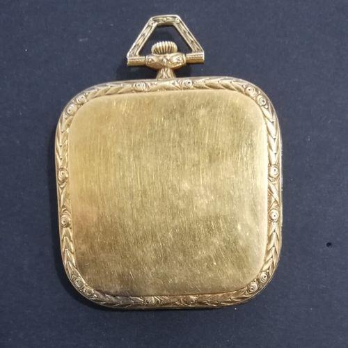 ELECTION  Montre de gousset, simple boitier carré 4cm, or ciselé  vers 1930  Poi…