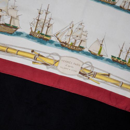HERMES PARIS Navires d'Europe, à voiles mixtes et à vapeur  Carré de soie , bord…