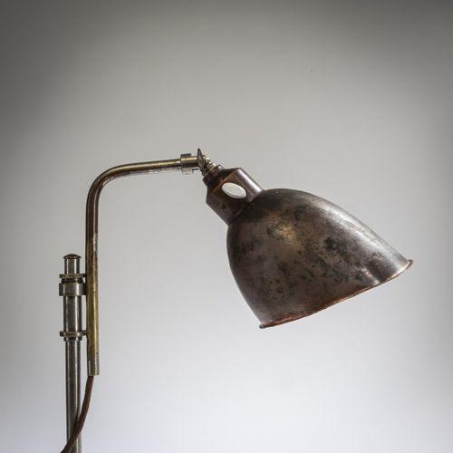Christian Dell, Petite lampe de table 'Rondella', 1927/28, H. 40 cm (max.), Ø pl…