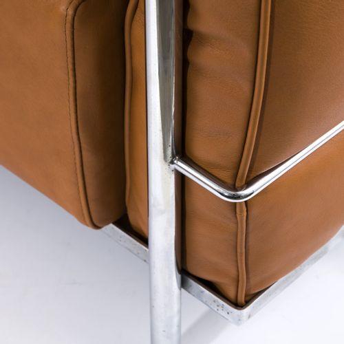 Le Corbusier ; Charlotte Perriand ; Pierre Jeanneret, 2 fauteuils 'LC 2', 1928, …