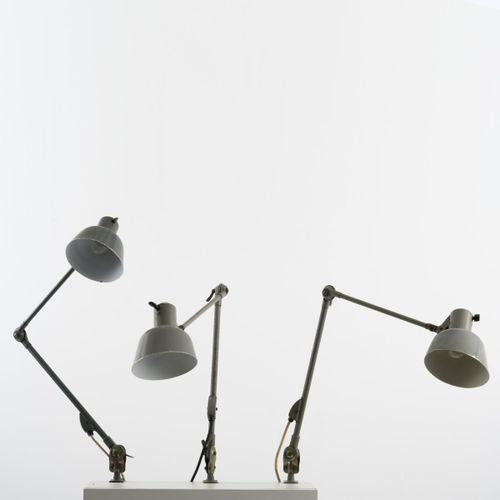 SIS Licht, Schweinfurt, 3 lampes de bureau 'No. 72', 1924, L. 113 cm, P. 15,5 x …