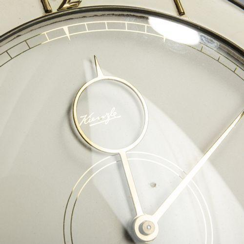 Heinrich Möller, 2 horloges de table, c. 1935, H. 25 cm, D. 21 22.5 cm. Fabriqué…