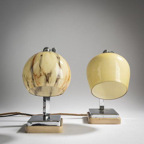 Marianne Brandt, 2 lampes de table 'Tastlicht', vers 1934, H. 24 24,5 cm. Fabriq…