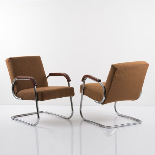 Grande Bretagne, 2 fauteuils, c. 1933, H. 76 x 56,5 x 75 cm ; Tube Ø 2,4 cm. Aci…
