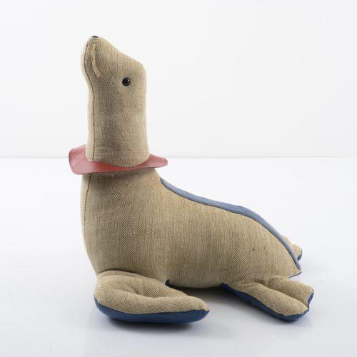 Renate Müller, Seal, 1971, H. 58 x 50 x 56 cm. Fabriqué par Renate Müller, Sonne…