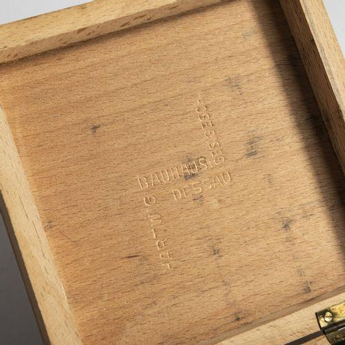 Josef Hartwig, Jeu d'échecs Bauhaus 'XVI', 1924, 32 jetons. H. 2 4,7 cm. Fabriqu…