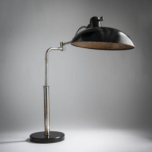 Christian Dell, lampe de table '6651', vers 1935, H. 53 cm, D. 30 cm. Fabriqué p…