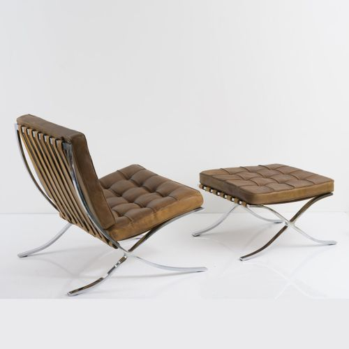 "Ludwig Mies van der Rohe, ""Barcelona chair"" avec ottoman, 1929, Chaise longue : …"