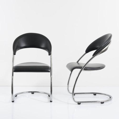Wassili et Hans Luckhardt, 2 fauteuils 'S 36 P', 1930/31, H. 90 x 53 x 60 cm. Fa…