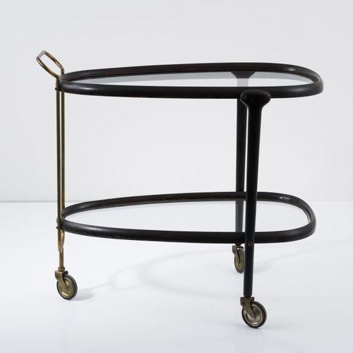 Italie, Chariot de service, c. 1954, H. 76 x 85 x 52 cm. Laiton tubulaire, bois,…