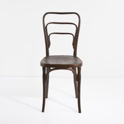 J. & J. Kohn, Vienne, chaise '248', c. 1898, H. 90 x 40 x 50 cm. Bois courbé de …