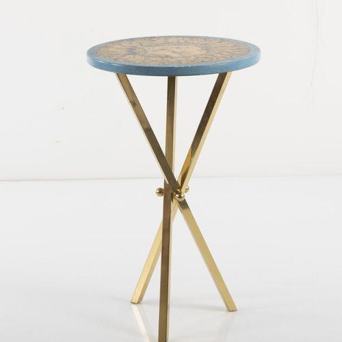 """Piero Fornasetti, table d'appoint """" Sole """", années 1950, H. 60 cm, P. 36 cm. Fab…"""