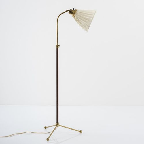 Hans Bergström, lampadaire '545', années 1940, H. 120 153 cm, D. 22 cm. Fabriqué…