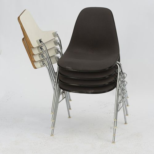 Charles Eames, 4 chaises de bureau '0715', c. 1955, H. 80,5 x 65 x 64 cm. Fabriq…