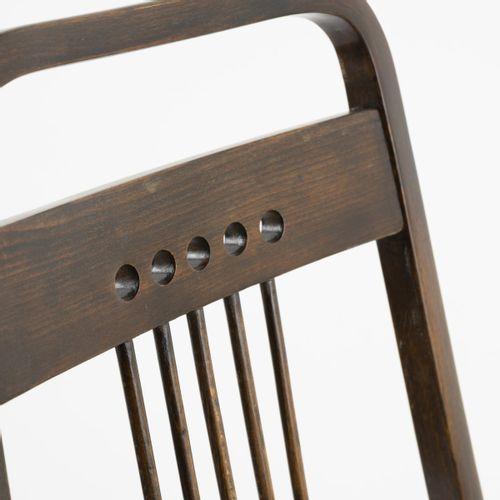 Thonet, Vienne, 2 fauteuils '511', vers 1904, H. 105 x 54,5 x 59,5 cm. Hêtre et …