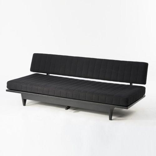 Richard Stein, canapé lit '700', 1947, H. 68 x 195 x 93 cm. Fabriqué par Knoll I…