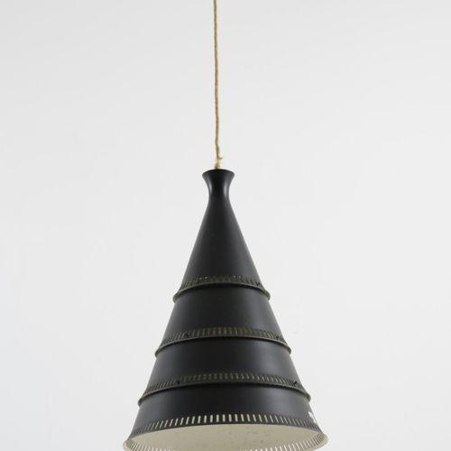 Knud Hjerting, Plafonnier, c. 1950, H. 44 cm, D. 31 cm. Fabriqué par Lyfa, Balle…