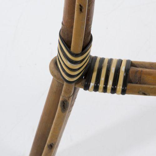 Drucker, Paris, Table bistro, années 1920, H. 69 cm, P. 73 cm. Canne de bambou, …