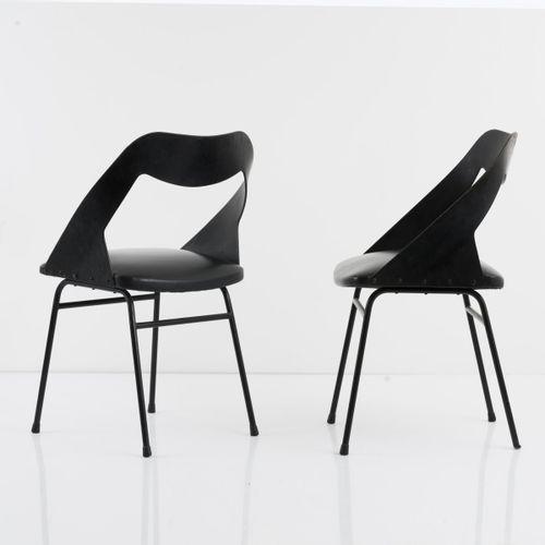 Louis Paolozzi, 4 chaises, c. 1958, H. 78,5 x 50 x 47 cm. Fabriquées par Zol, Fr…