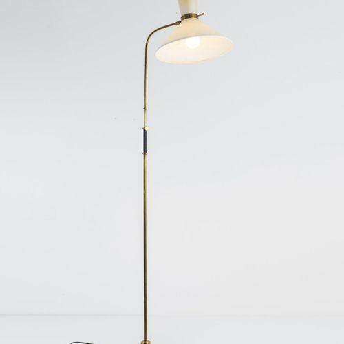 Gustave Gautier (attr.), Lampadaire, c. 1955, H. 162,5 cm, D. 35,5 cm. Fabriqué …