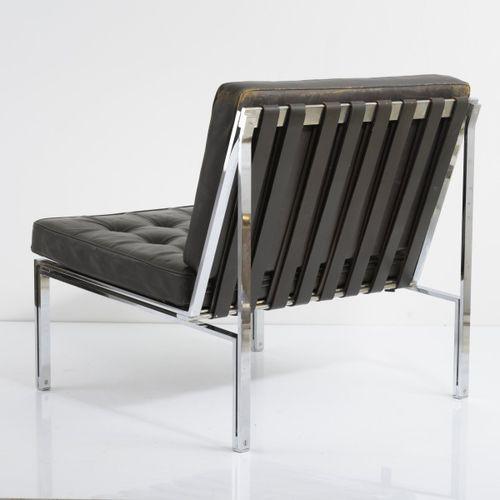 Kurt Thut, chaise longue 'KT 221', 1956, H. 67 x 68 x 71 cm. Fabriqué par Tschan…