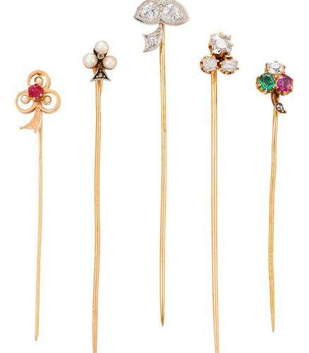 """Lot de 4 épingles de cravate """"Trèfle"""" : 3 yellow gold tie pins + one in platinum…"""