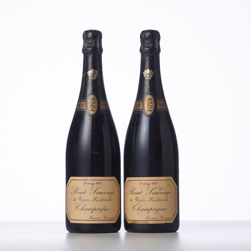 2 Bouteilles CHAMPAGNE BRUT SAUVAGE  Année : 1979  Appellation : Piper Heidsieck…