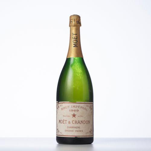 1 Magnum CHAMPAGNE BRUT IMPERIAL  Année : 1969  Appellation : Moët et Chandon  R…