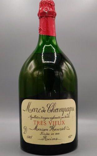 """Une bouteille de 1.5 litre de Marc de Champagne """"très vieux"""" Maison Henriot."""