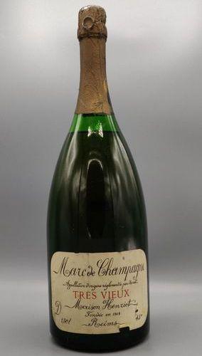"""Une bouteille de 1.5 litre de Marc de Champagne """"très vieux"""" Maison Henriot. Eti…"""