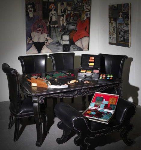 JEUX DE BACKGAMMON. Jeux de Backgammon complet comprenant l'ensemble des jetons,…