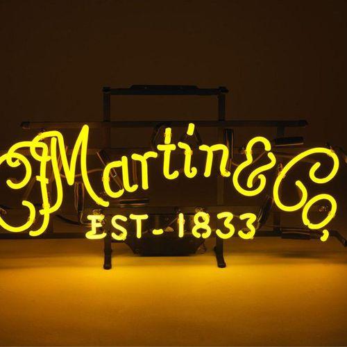 MARTIN & Co, Lumière de la nuit. Enseigne lumineuse publicitaire néon pour la ma…