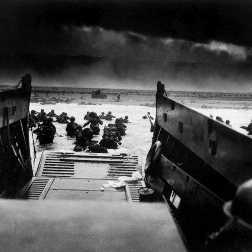 Robert F. SARGENT (1923 2012)  Débarquement des troupes américaines sur les cô…